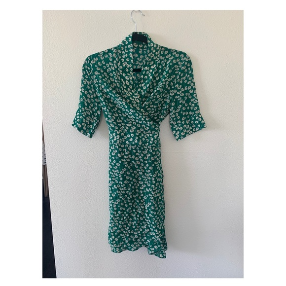 Silk wrap dress in green size small